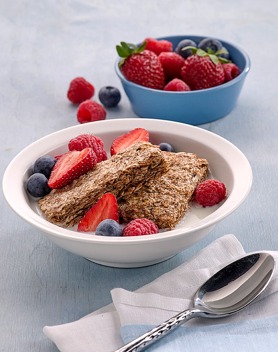 Richard Weinstein food Photography for weet-bix breakfast cereal with strawberries